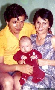 Eu si Nae, cu Andi bebe in august 1981